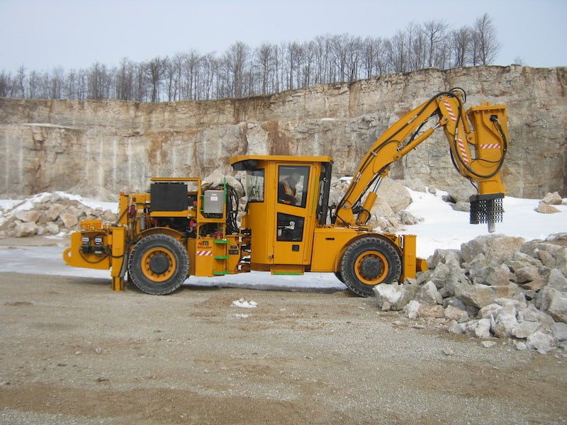 A picture of MacLean Engineering Mobile Rockbreaker ultilizing MEDATech's hydraulic systems design